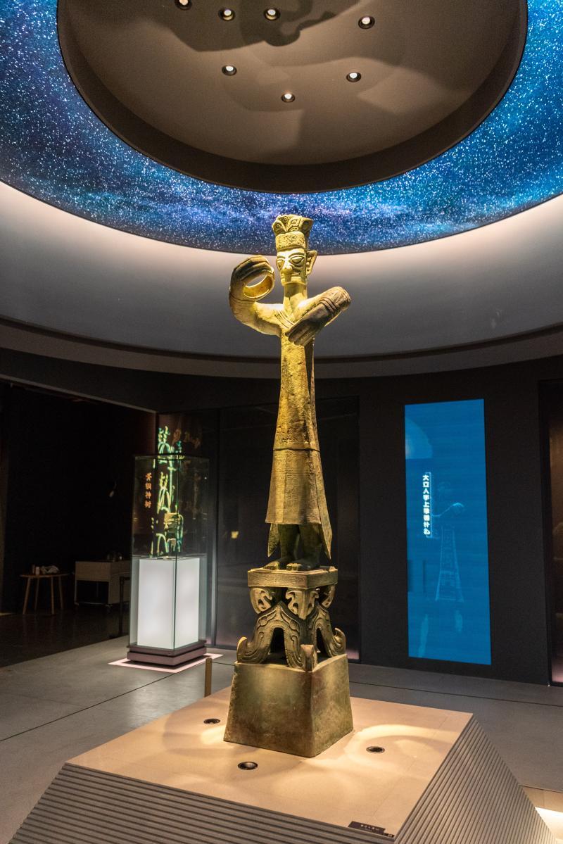 铜立人像(复制品)