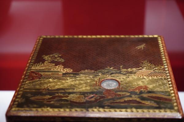 戗金彩漆花鸟纹方盒