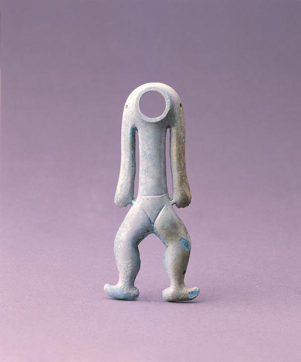 商周铜人形器 晚商至西周 一级文物现藏于成都金沙遗址博物馆