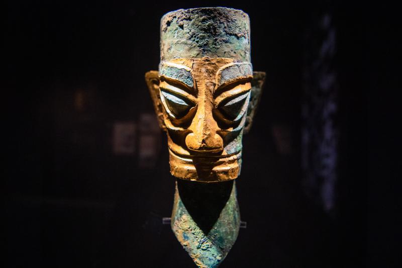 戴金面罩青铜人头像 商 一级文物1986年出土 现藏于四川广汉三星堆博物馆