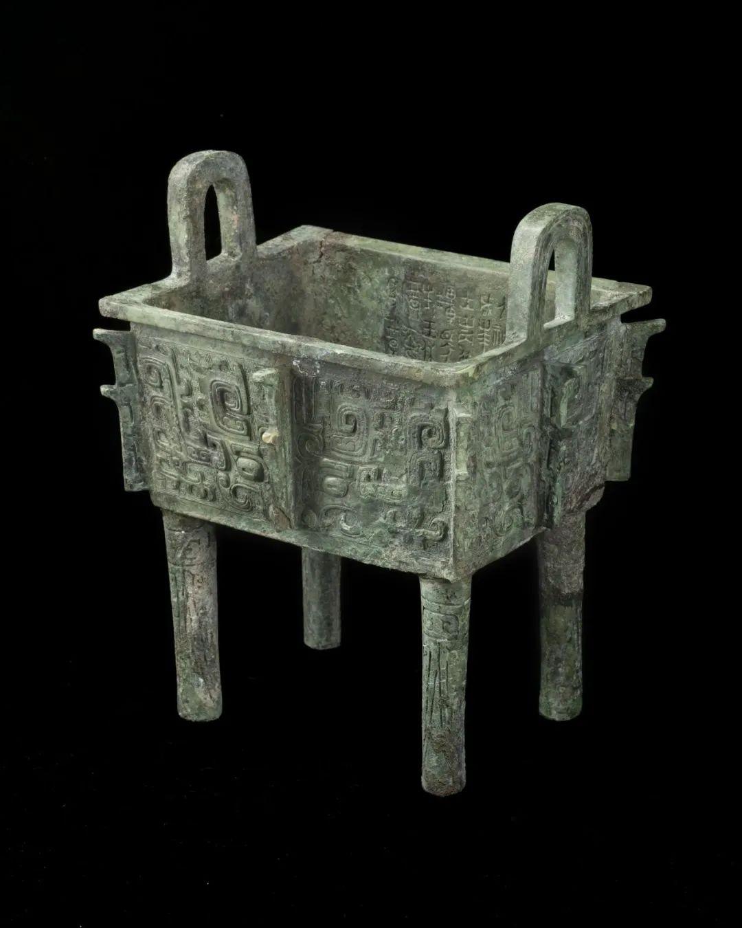 叔虞方鼎出土地点:天马-曲村晋侯墓地M114年代:西周早期收藏单位:北京大学赛克勒考古与艺术博物馆